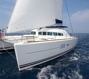 Honolulu yacht charter lagoon 380 catamaran rental hawaii