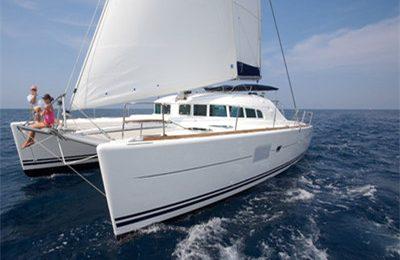 Honolulu yacht charter lagoon 380 catamaran rental hawaii