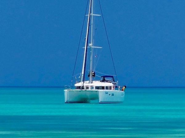 los angeles lagoon 400 catamaran yacht charter