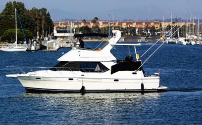 Onboat inc 40 bayliner motor yacht for Motor boat rental san francisco