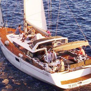 honolulu yacht rental waikiki beach sailboat charter