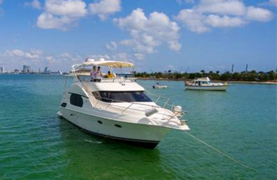 Onboat inc lux 48 motor yacht charter miami for Motor boat rental san francisco