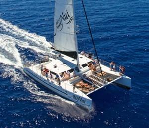 All inclusive Molokini crater snorkel tour by Alii nui Catamaran