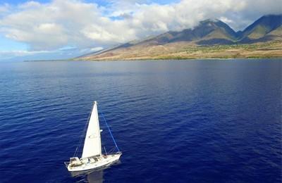 Lahaina,Maui,Lanai boat charter yacht rental snorkel tours 43' beneteau sailboat