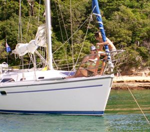 Sydney harbor yacht for hire 31 feet sailboat charter