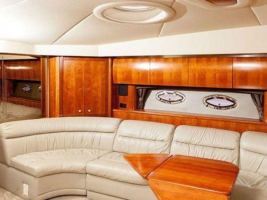 Express Cruiser Yacht Yacht Charter in Newport Beach