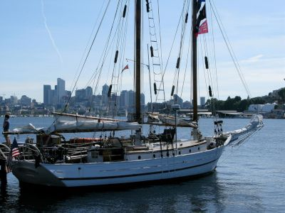 Monohull Sailboat Yacht Rentals in Lake Union, Seattle