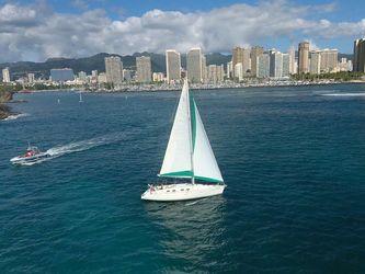 Monohull Sailboat Yacht Rentals in Honolulu