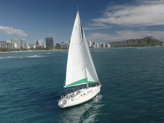 Monohull Sailboat Yacht Charter in Honolulu