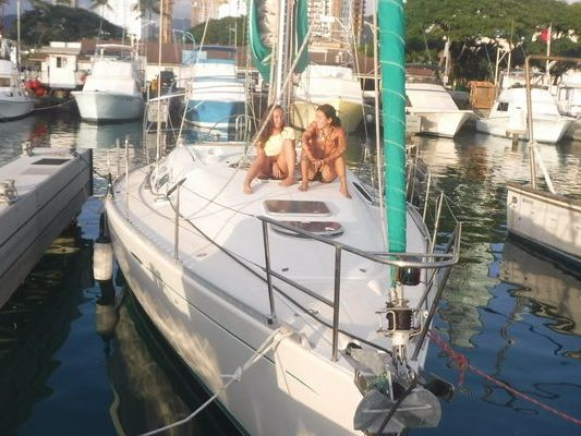 Honolulu Yacht Rental