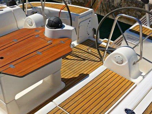 Yacht Rental Brisbane, Manly