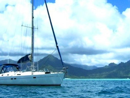 Honolulu Yacht Charter