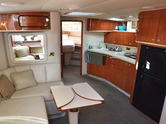 Express cruiser yacht Boat Charter in Boston