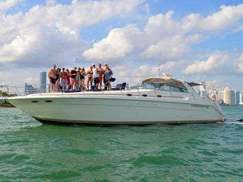 Express cruiser yacht Yacht Rentals in Boston