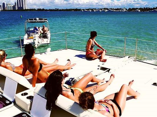 Motor Yacht Yacht Charter in Miami