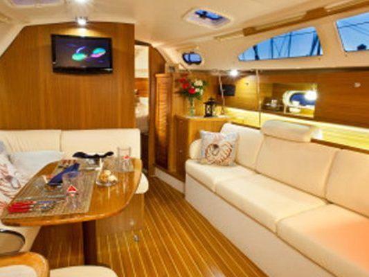 Catamaran sailing yacht Yacht Charter in Sydney