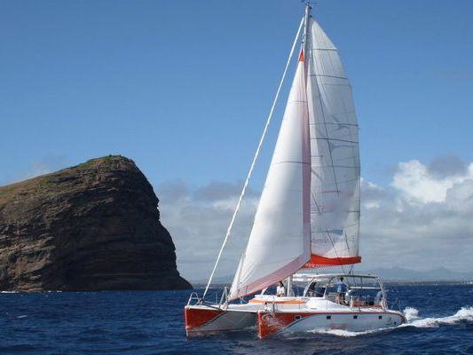 Catamaran Sailing Yacht Yacht Rental in Honolulu