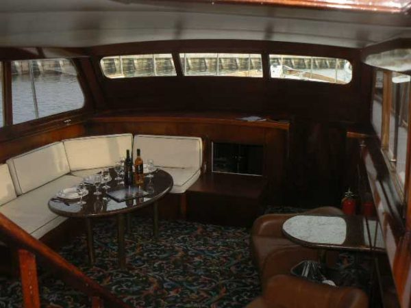 Party Motor Yacht Yacht Charter in San Francisco