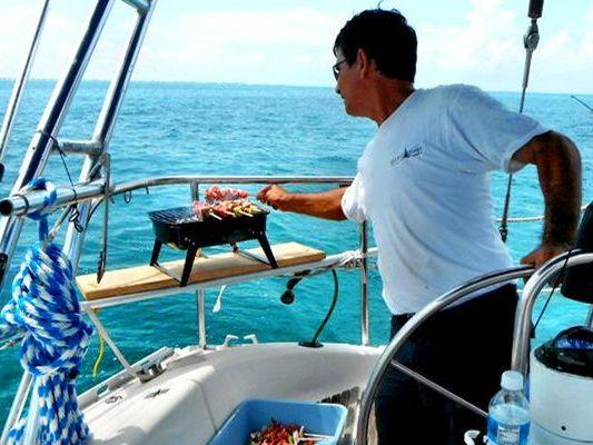 Monohull sailboat Yacht Charter in Cancun