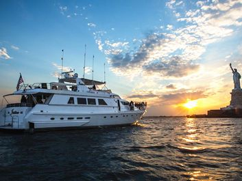 Motor Yacht Yacht Rentals in JERSEY CITY