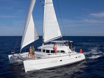Catamaran sailing yacht Yacht Rentals in