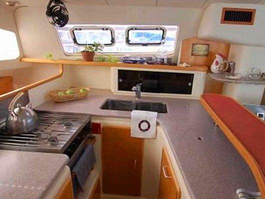 Yacht Charter Vilanova