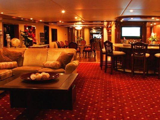Motor Yacht Boat Charter in Marina del Rey