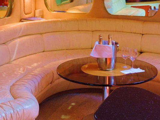Yacht Charter Hotel Zone, Cancun