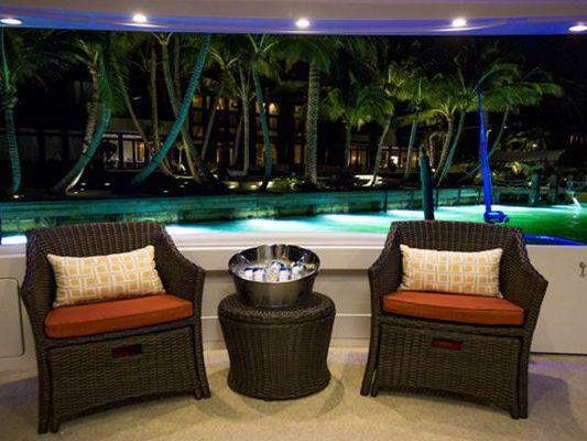 Motor Yacht Yacht Charter in Miami Beach