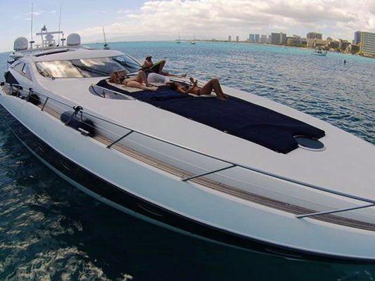 Express Cruiser Yacht Yacht Rental in Honolulu