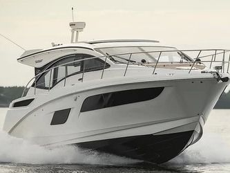 2016 SeaRay motor yacht. Yacht Rentals in Newport Beach