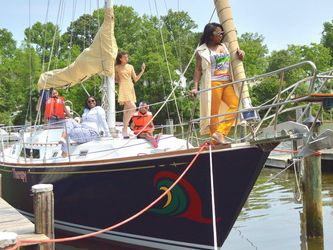Monohull Sailboat Yacht Rentals in Annapolis